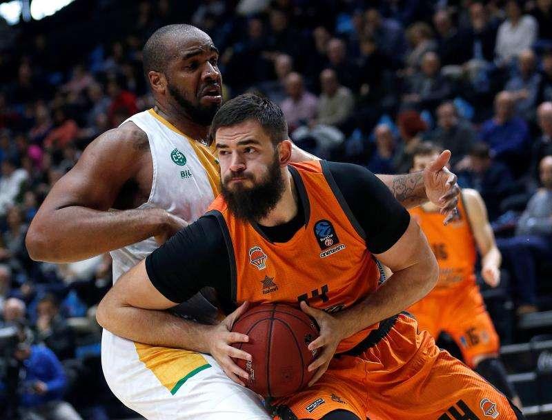 El pívot montenegrino del Valencia Basket, Bojan Dubljevic. EFE