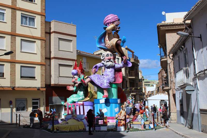 Monumento grande de la Falla Plaça Pedralba de Llíria.