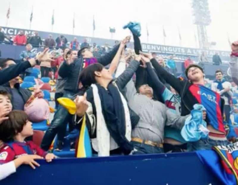 La euforia desatada entre los aficionados. FOTO EPDA