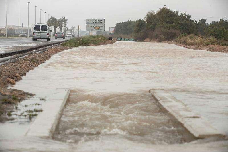 Carretera afectada por las fuertes lluvias caídas en la Comunitat Valenciana en abril. EFE/Archivo