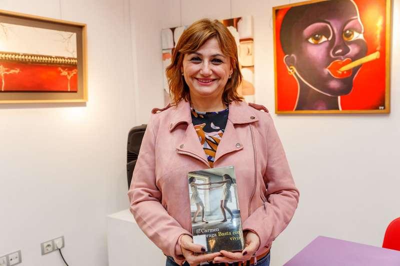 Carmen Amoraga en la presentación de su libro de Mislata. EPDA