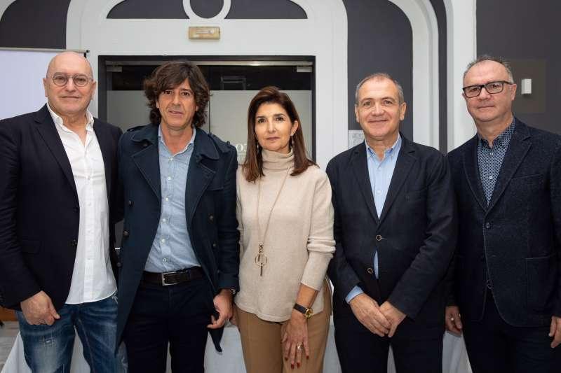 En orden de izquierda a derecha: Josep Lozano, Miguel de Vicente, Isabel Cosme, Antoni Bernabé y Paco Mora. -EPDA