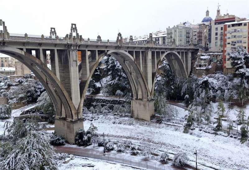 Imagen de la localidad alicantina de Alcoy cubierta de nieve. EFE/Jordi Ferrer/Archivo