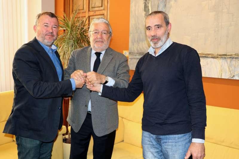 Firma del convenio entre la Fundación Bancaja y el Ayuntamiento de Sagunt. EPDA