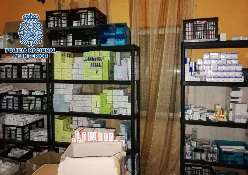Medicamentos ilegales intervenidos por la Policía en una operación en la provincia de Valencia con diez detenidos. EFE/Policía Nacional