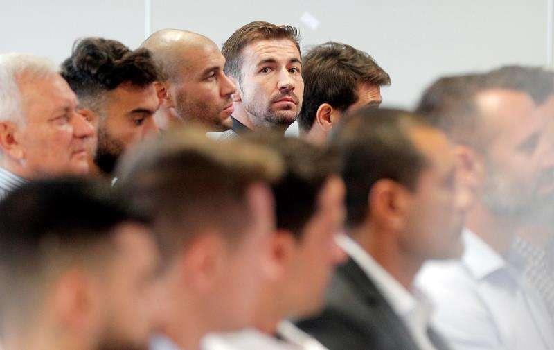 El exjugadores del Zaragoza en el banquillo durante el primer gran juicio en España por el posible amaño de un encuentro. EFE/Kai Försterling