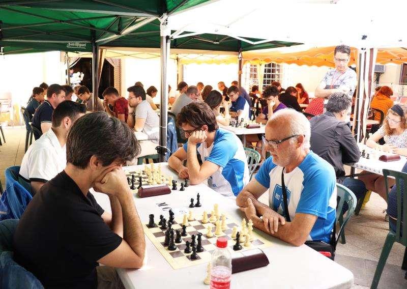 Una de las partidas celebradas en la capital del Alto Palancia. EFE