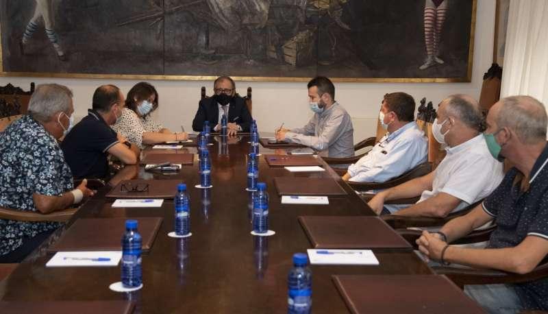 Reunión de los pirotécnicos en Diputación