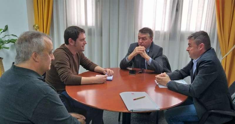 Representantes de Diputación y Ayuntamiento
