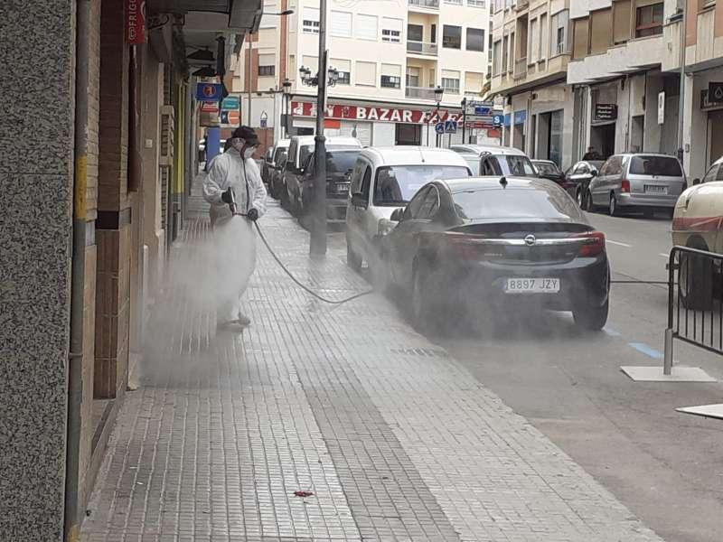 Fumigación de la Avda. Fray Luis Amigó en Segorbe