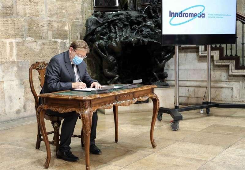 El president de la Generalitat, Ximo Puig, ha presidido la firma de la declaración de intenciones para la creación de la Alianza de Tecnologías Innovadoras este martes en Valencia. EFE/Ana Escobar