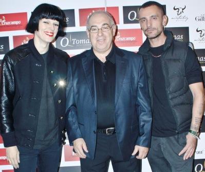 Tomás Arribas con Bimba Bosè y David Delfín. Foto EPDA