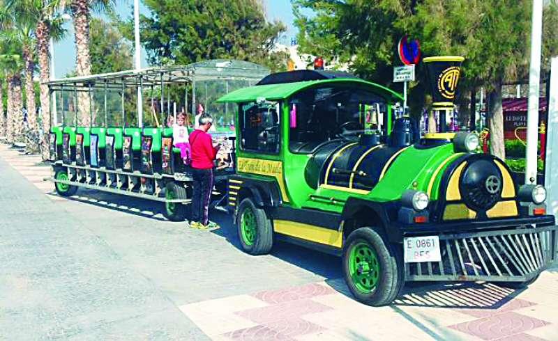 El tren turístico en Canet. EPDA