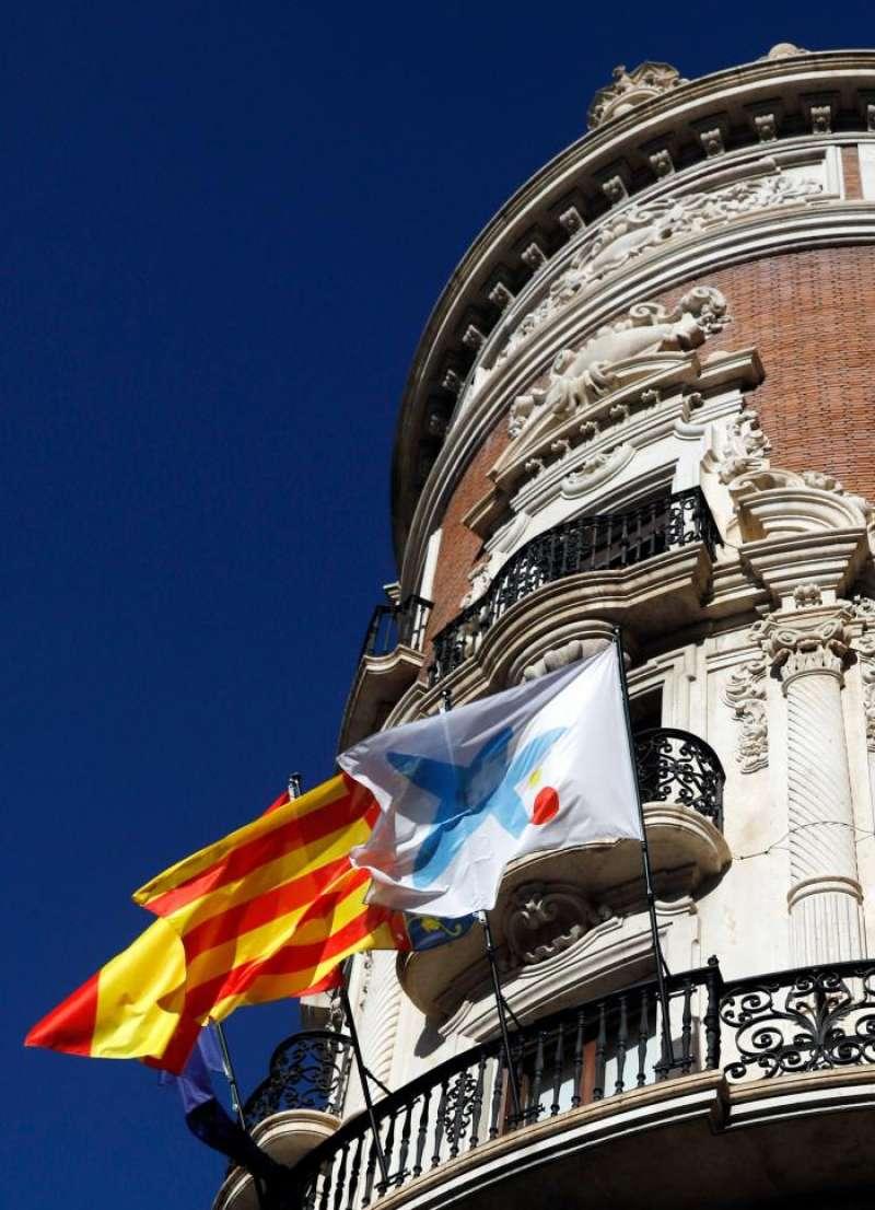 Fachada de la sede central de CaixaBank en València. EFE/Archivo