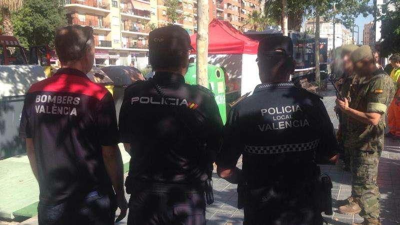 Imagen del simulacro  realizado este viernes en una estación de metro de València. EFE/Policía Local