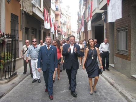 Ximo Puig asiste a la fiesta de la Mare de Déu de Algemesí. Foto: EPDA