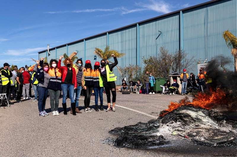 Protestas frente a Pilkington