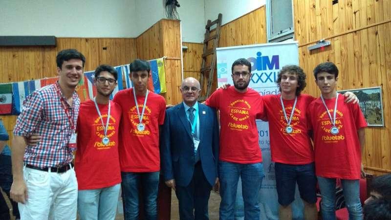El equipo de Rafah Hajjar Muñoz, representando a España