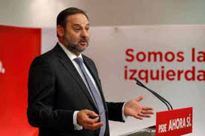 El ministro de fomento, en funciones, José Luis Ábalos, en una imagen de archivo. EPDA