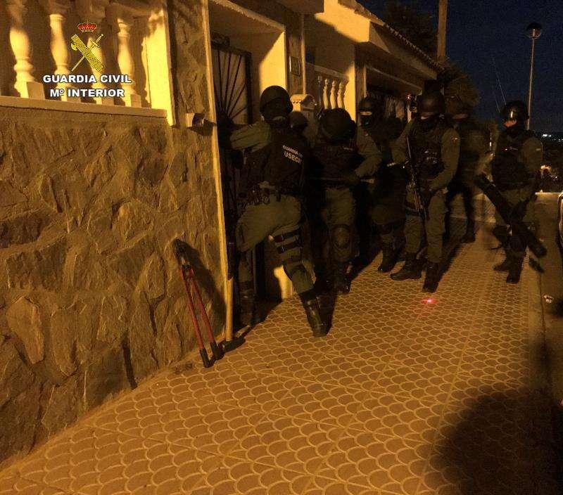 Imagen de la operación facilitada por la Guardia Civil. EFE/Guardia Civil