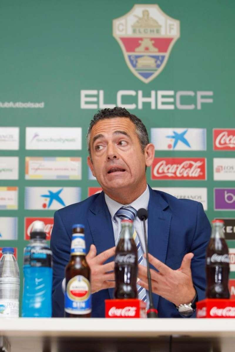 El presidente del Elche, Diego García, durante una rueda de prensa. EFE/Archiv