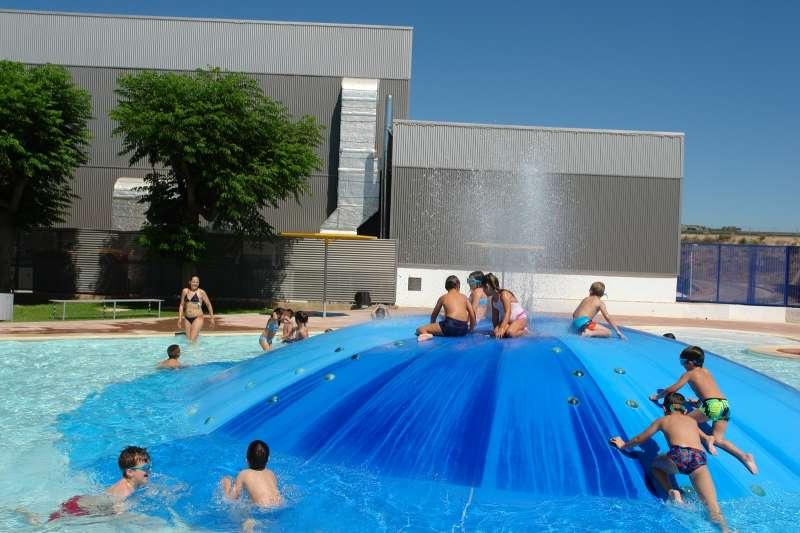 Un total de 157 niños aprenden y se divierten en la escuela de verano municipal