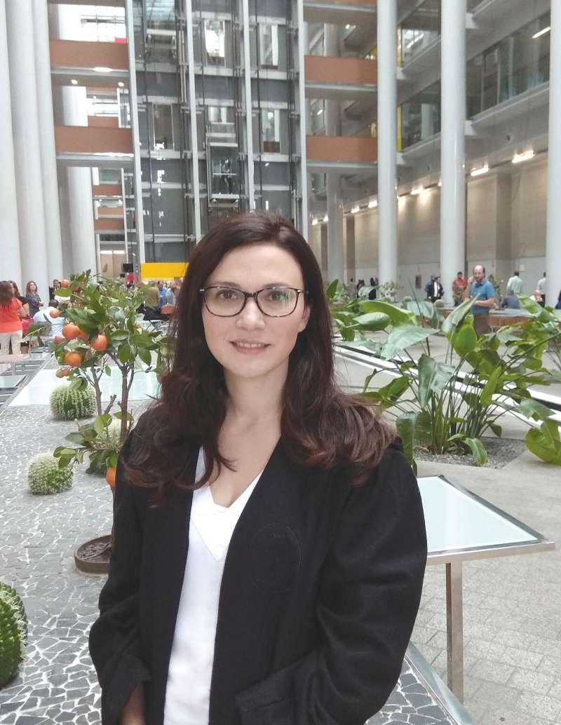 Beatriz Capella - Directora Lares Abogados en juicio  Pulse en la imagen para ampliar