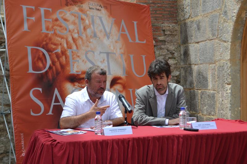 El alcalde de Sagunto, Quico Fernández, y el director general de CulturArts, José Luis Moreno, en la presentación del Sagunt a Escena 2015
