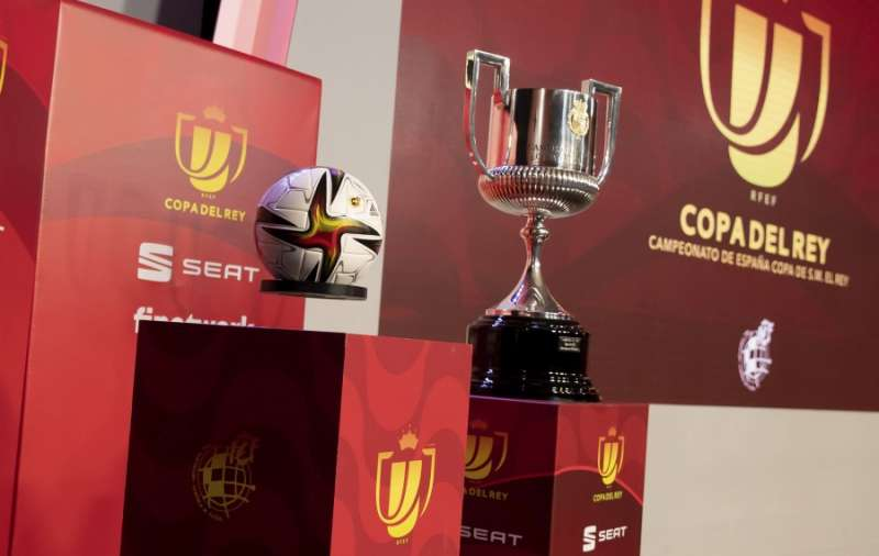 Foto del trofeo en la web de la RFEF.