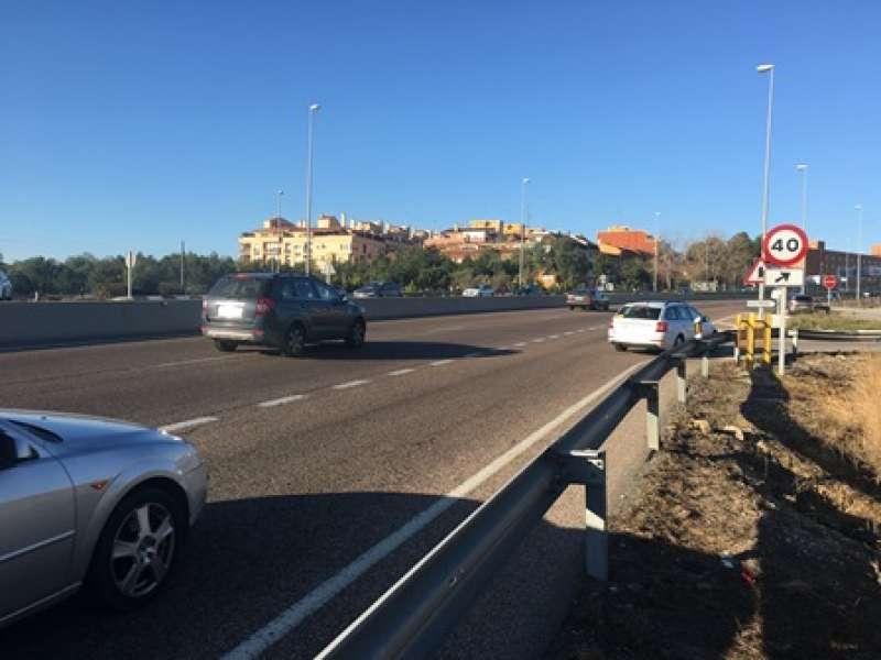 Vía de salida o acceso a Paterna. EPDA