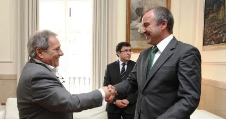El conseller de Justicia y Bienestar Social, Jorge Cabré, y el presidente de la Diputación de Valencia, Alfonso Rus. Foto EPDA