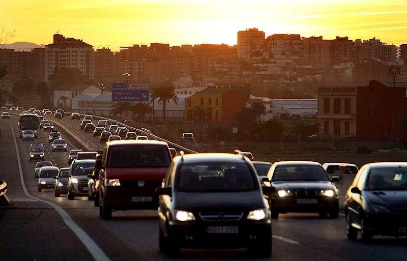 Vista general del tráfico en la A7 a la salida de València, dirección Barcelona. EFE/Kai Försterling/Archivo