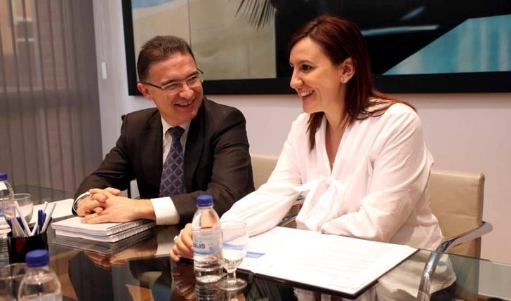 Entrega de Castellano a Català del documentación para trabajar en el expediente de declaración BIC a este deporte valenciano.