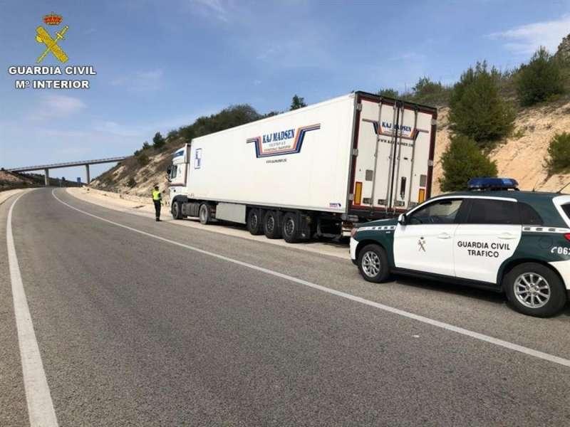 Imagen del camión interceptado. EFE/Guardia Civil