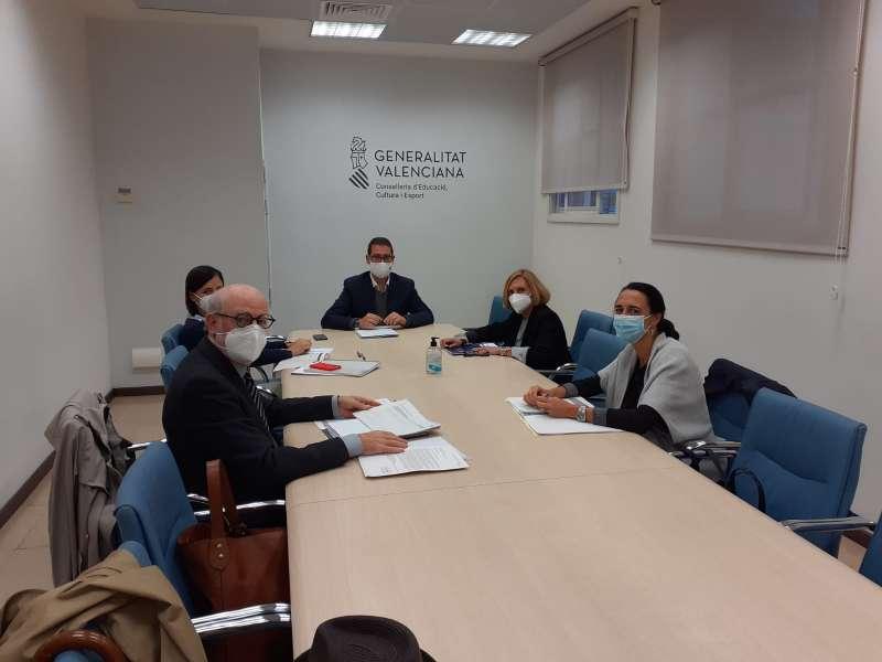 Reunión del Ayuntamiento de Bétera con la Conselleria de Educación. / EPDA