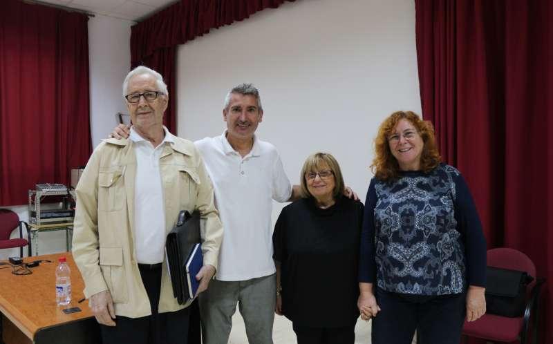 Raga con la alcaldesa de Jérica y representantes del Aula Sénior