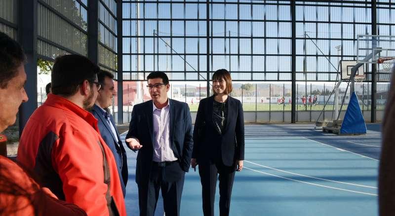 Jorge Rodríguez durant una visita a una instal·lació esportiva a Gandia.