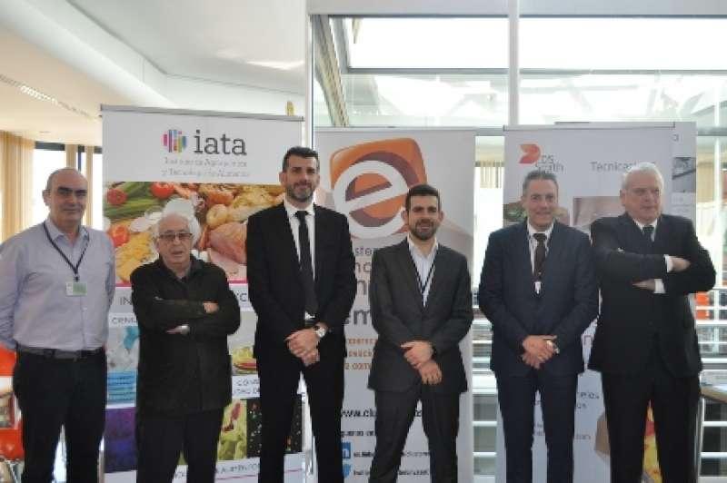 Representantes del Clúster de Innovación en Evase y Embalaje, Primaflor, DS Smith Tecnicarton, empresa patrocinadora del Desayuno y IATA-CSI. EPDA