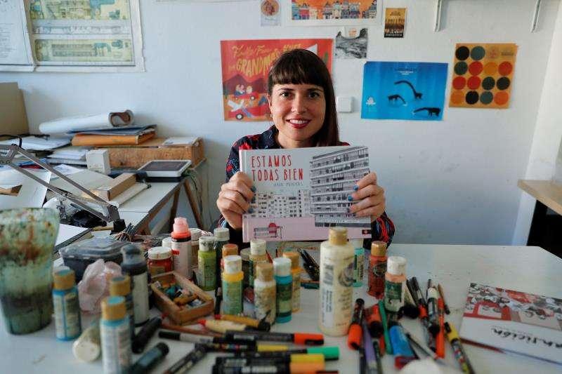 La ilustradora valenciana Ana Penyas, tras conocer que ha sido la ganadora del Premio Nacional de Cómic por