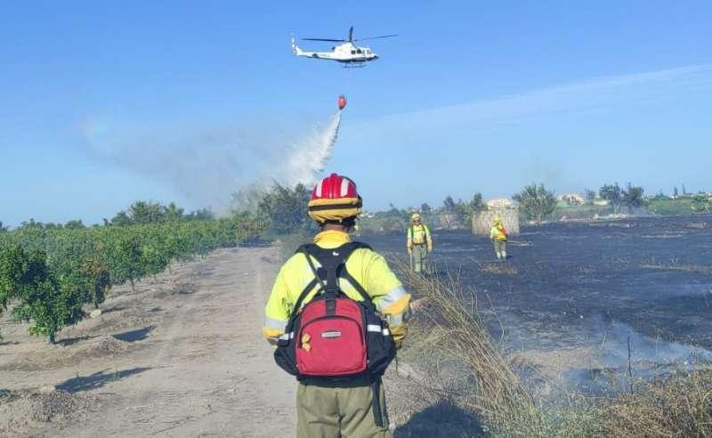 Extinción del incendio de ayer. / EPDA
