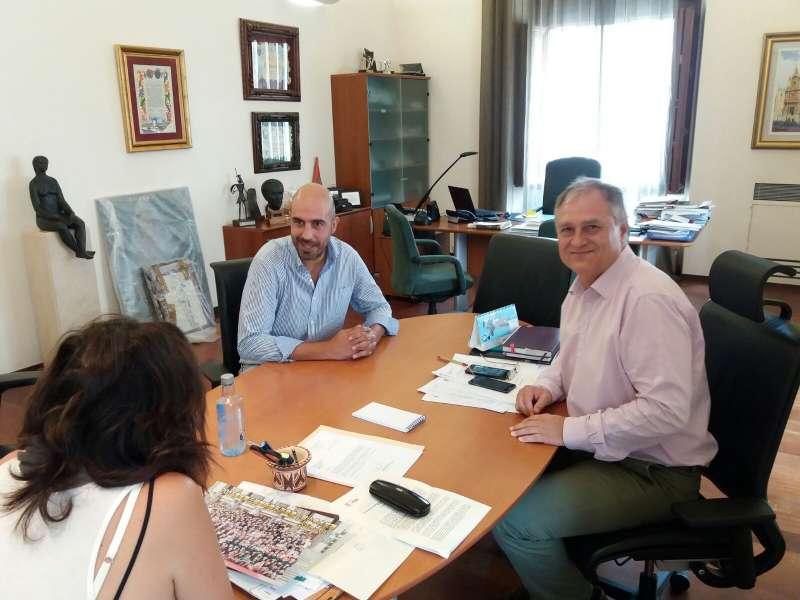 Reunión del alcalde con el diputado de Carreteras, Pablo Seguí