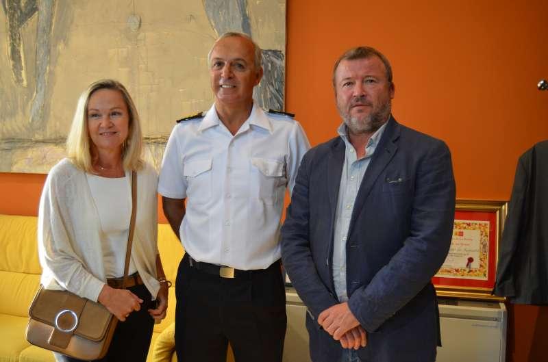 El alcalde de Sagunt con el Comandante Naval de Valencia, Castellón y Alicante. EPDA