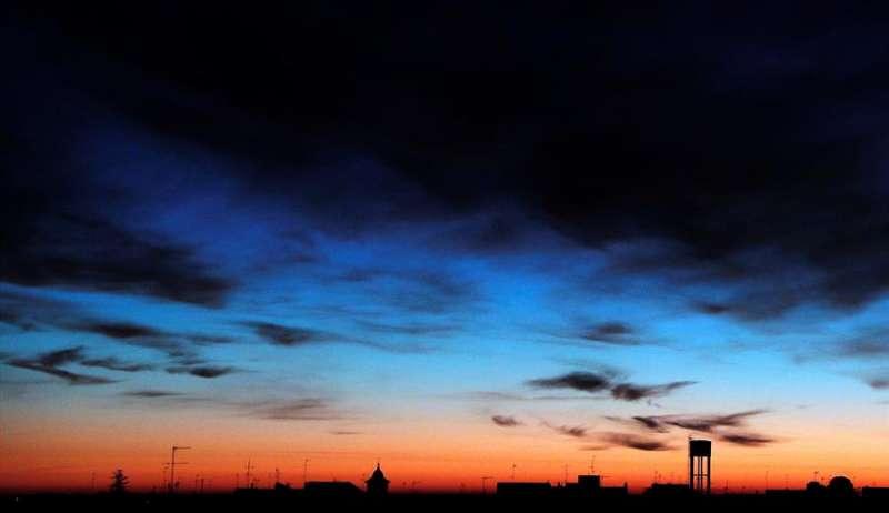Vista general del amanecer del día de Navidad, en el que prevalece el buen tiempo en la Comunitat Valenciana. EFE/Kai Försterling