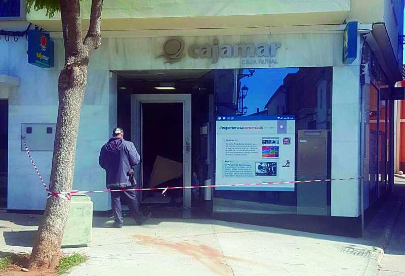 Esta madrugada han asaltado la caja rural del municipio de for Caja rural bilbao oficinas