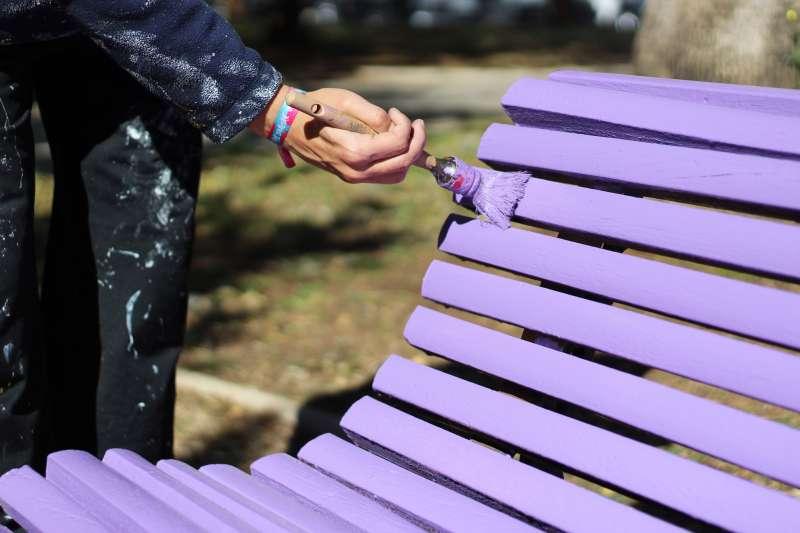 Mobiliari violeta de Picassent