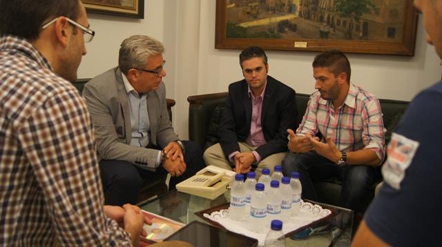 Momento de la reunión. FOTO: DIVAL