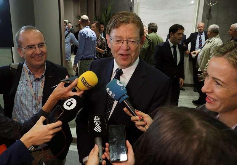 El president de la Generalitat, Ximo Puig (c), realiza declaraciones. EFE/Archivo