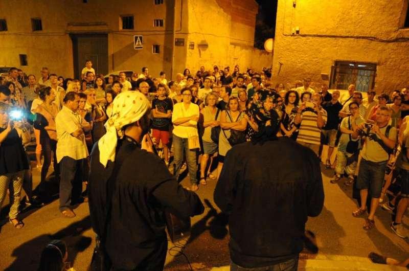 Participants en la ruta nocturna.//EPDA