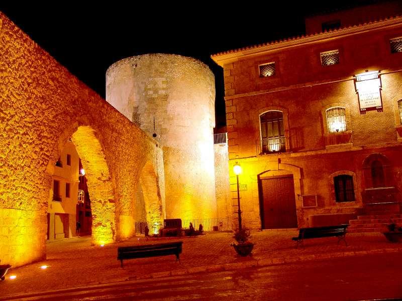 Acueducto, torre del Bochí y Museo Municipal de Segorbe