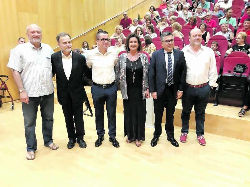 Cargos socialistas arropan a Rubén Rodríguez en la celebración de la sesión de investidura. / epda